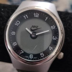 Womans Nike Watch w Black Leather Band